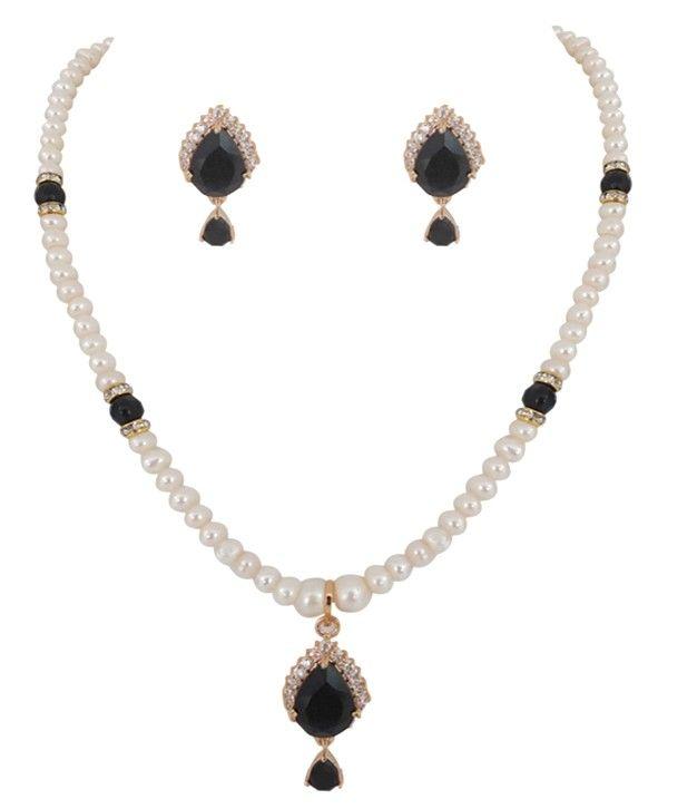 Beautiful Black A.D Pearl Pendent Set