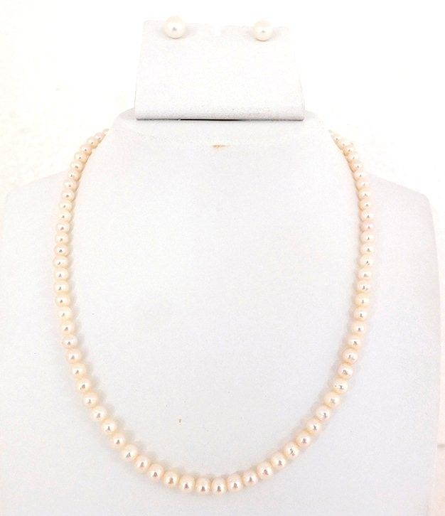 Decent Round  Fresh Water Pearls Necklace Set