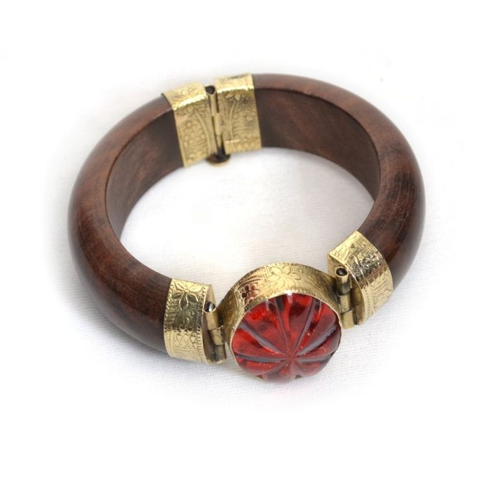 Onlineshoppee Wooden & Brass With Gem Stone Bracelets Size-Standrad