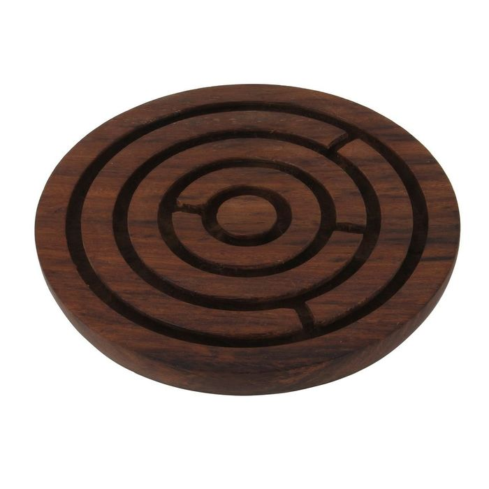 Onlineshoppee Handcrafted Labyrinth Board Game Round Wooden Diameter 6 Inches