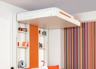 pull down bed 1 324x235 - This 390-square-foot Manhattan apartment has a motorized wall, that makes 的 bedroom and dressing room disappear in 的 daytime