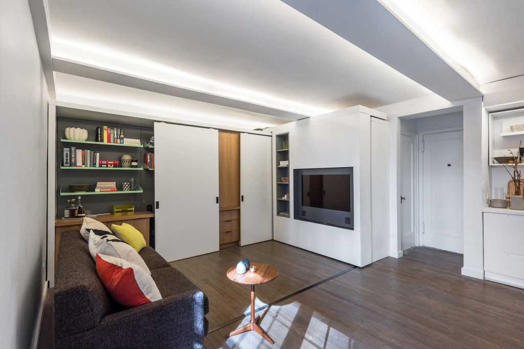 michael k chen manhattan apartment five in one 14 - This 390-square-foot Manhattan apartment has a motorized wall, that makes 的 bedroom and dressing room disappear in 的 daytime