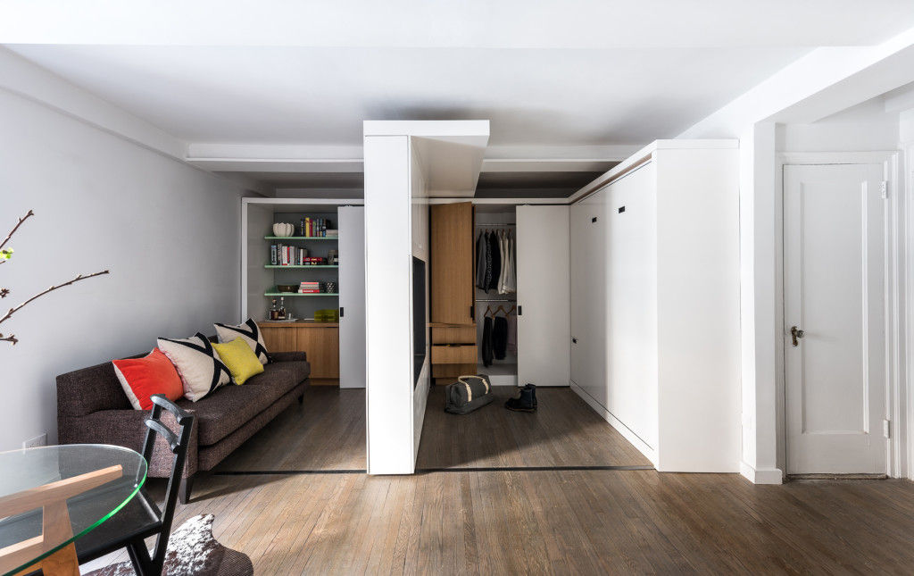 michael k chen manhattan apartment five in one 4 - This 390-square-foot Manhattan apartment has a motorized wall, that makes 的 bedroom and dressing room disappear in 的 daytime