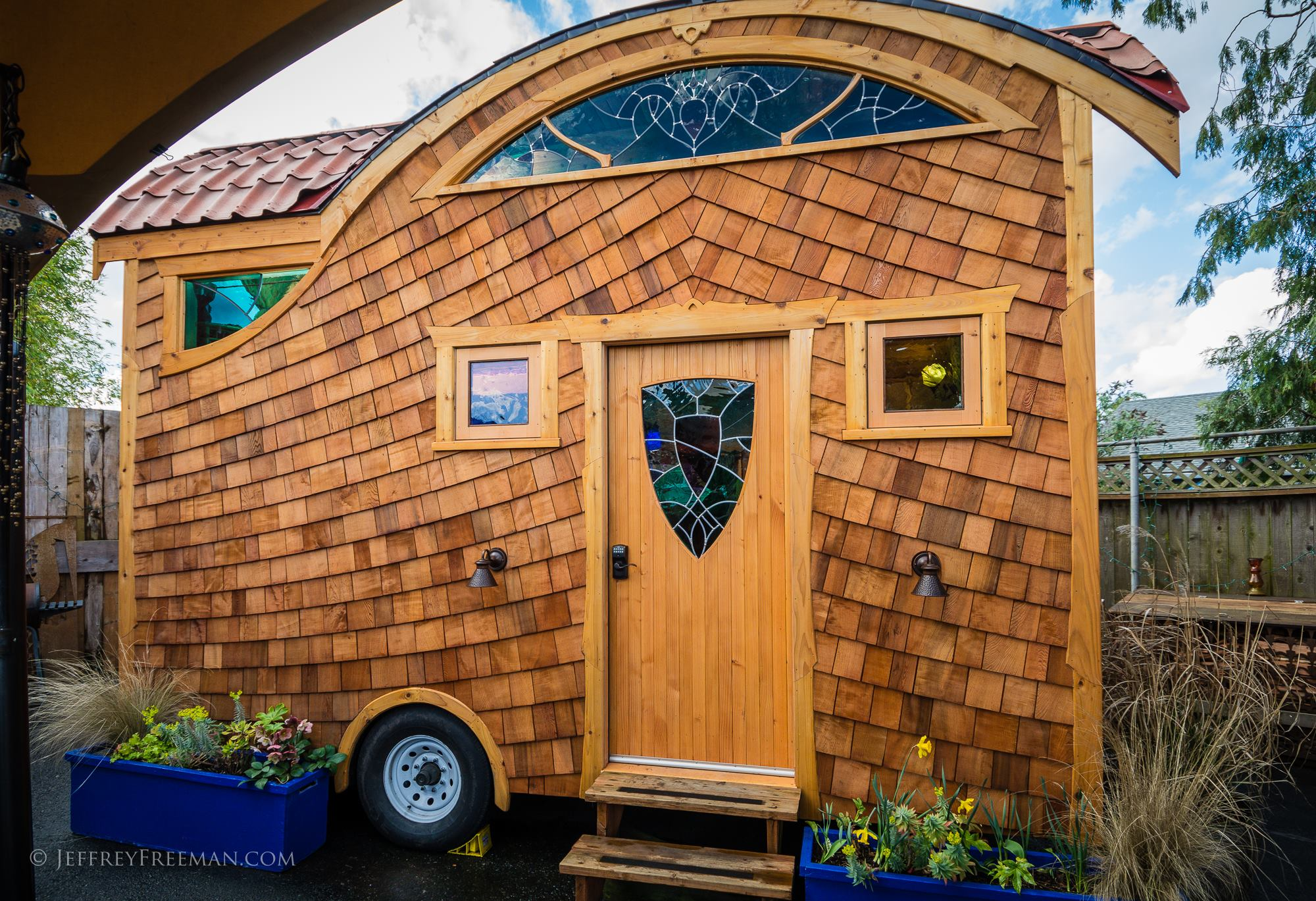 tiny house hotel pacifica 1 - The Hotel 大篷车 welcomes new wheelchair accessible tiny house