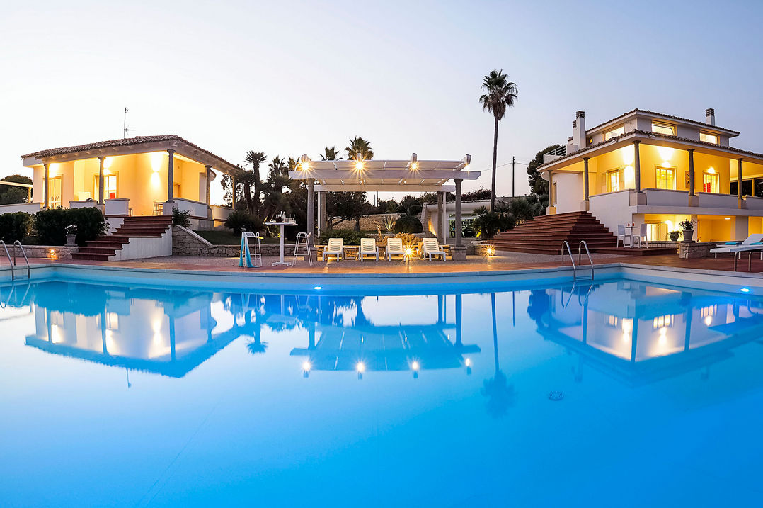 luxury holiday villa with seaview and direct access to the beach in sicily in relaxing atmosphere