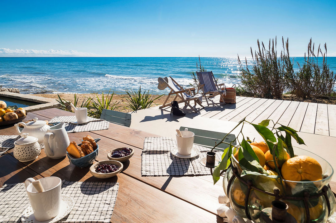 holiday villa with seaview and direct access to the beach in sicily in relaxing atmosphere