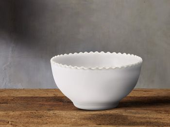Avignon White Cereal Bowl Set With Pearl Trim (Set Of 4)