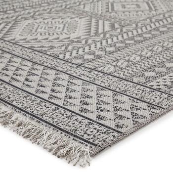 "Jaipur Living Inayah Indoor/ Outdoor Tribal Gray/ Light Gray Area Rug (5'3""X7'6"")"