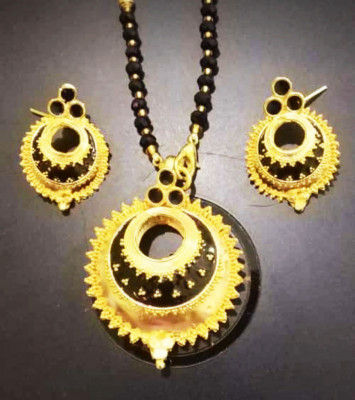 Golden Kerumoni Necklace Set with Black stones for Women(#1589)-gallery-0