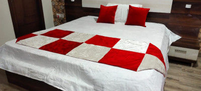 Unique Handicraft Fine Velvet (Suede) Bed Runner 92x30 inch for Bedroom with 2 pcs Cushion Cover (16x16 Inches) (White Red Combination)(#1640)-gallery-0