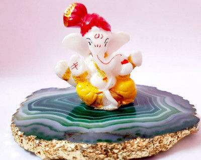 Rajasthani Kala Exclusive Blessing Lord Ganesha Ji On Agate Coaster With Gold Foil Edges Show Unique Handicrafts Piece Figurine 3-4 X H-275 L Home Decor I Ganesha On Agate Plate Showpiece(#1660)-gallery-0