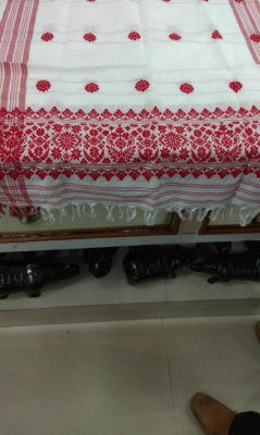 Traditional Gamosa from Assam(#353)-gallery-0
