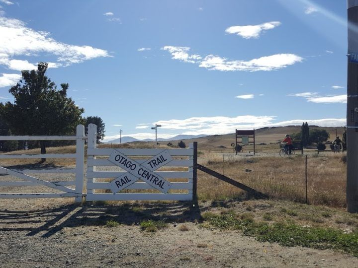 Cycle Touring: Otago Rail Trail as Credit Card Tourists