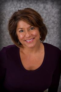 donna russell: simialr agent profile picture
