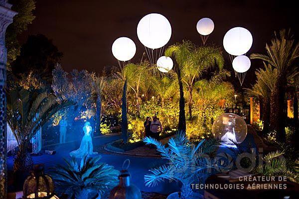 ballons lumineux, éclairants dans les jardins du casino de la mamounia au maroc