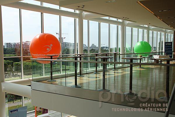 Ballon publicitaire intérieur hélium KPMG france