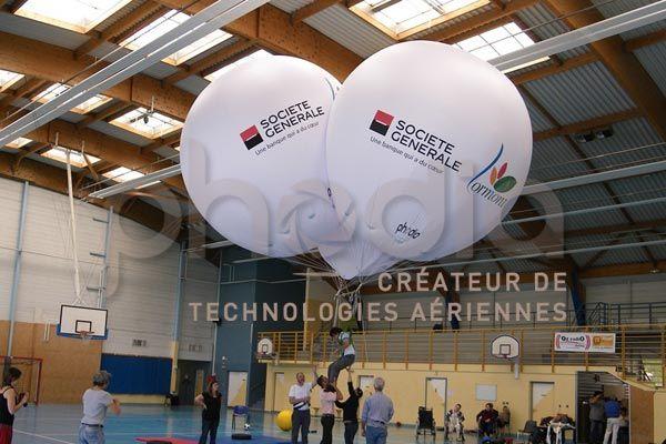 ballon hélium 4 m de diamètre pour soulever des handicapés