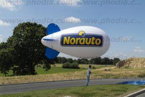 ballon dirigeable publicitaire blanc norauto