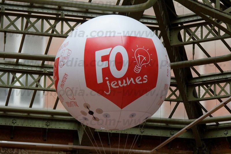 ballon hélium 2 m marquage FO jeunes avec support camera
