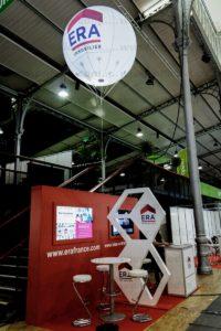 ballon hélium lumineux signalétique pour un stand ERA immobilier