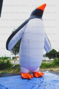 pingouin géant gonflable publicitaire de 8m de haut