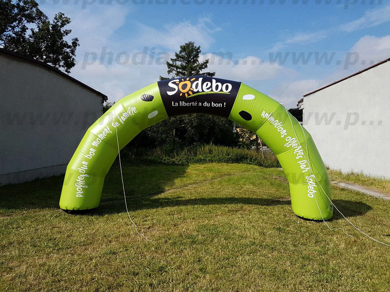 Arche gonflable entièrement personnalisée Sodebo