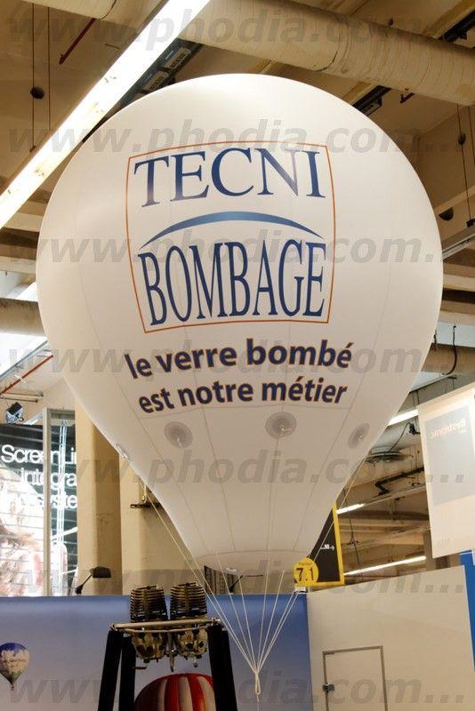 ballon montgolfière techni bombage de 2.5m gonflé à l'hélium
