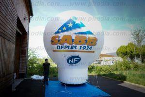 ballon gonflable forme montgolfiere avec soufflerie intégrée 5m de hait saba depuis 1924