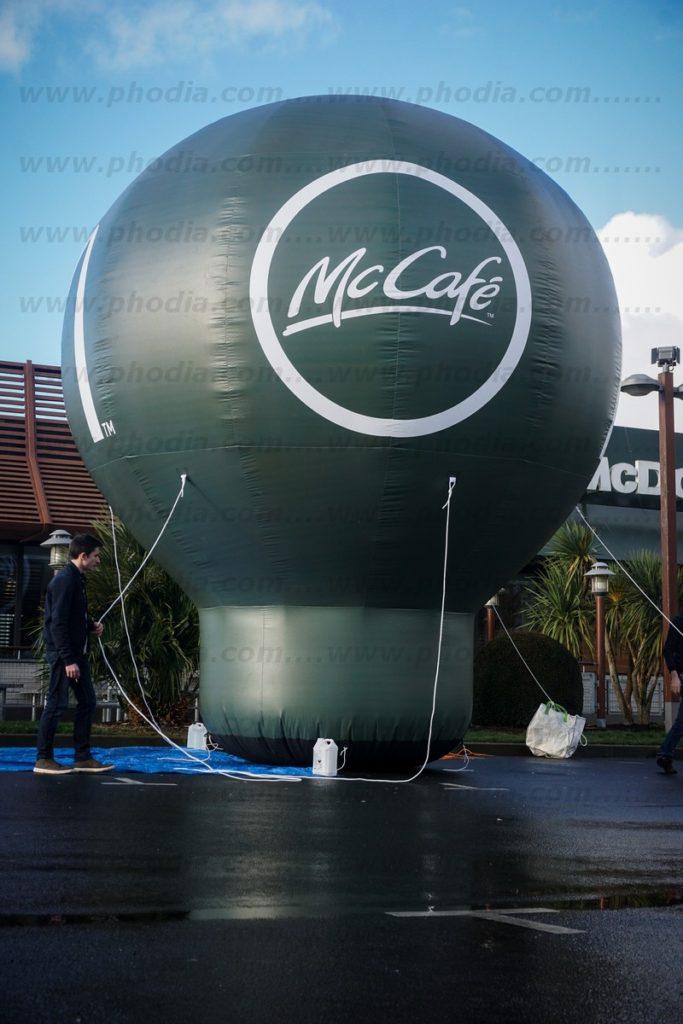 structure publicitaire géante montgolfière auto ventilée 6 m Mc donald's