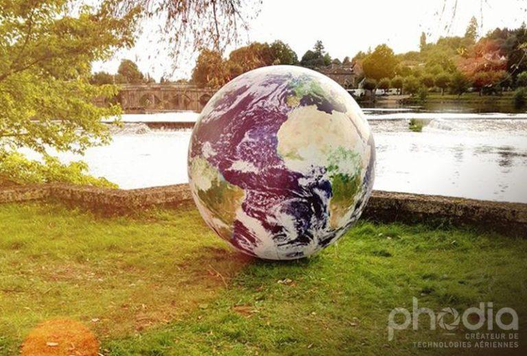 Ballons publicitaire de 60cm à 1,20m gonflé à l'air et posé au sol : marquage planisphère