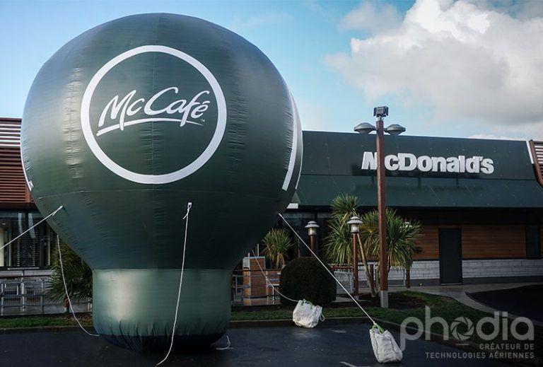 montgoflière publicitaire avec soufflerie intégrée mc donald s de couleur verte, inscription mccafé