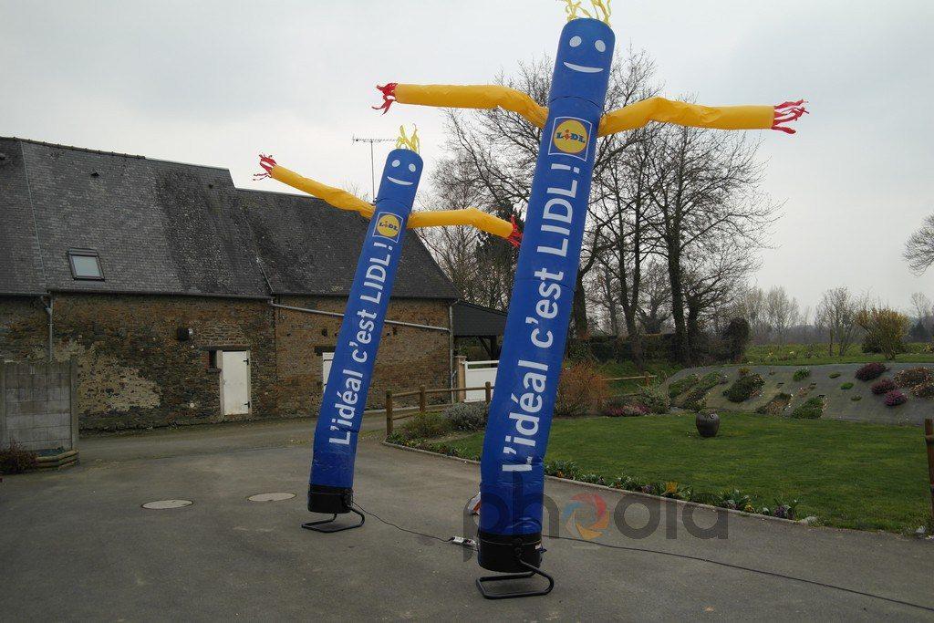 skydancer lidl 5 m : tube ventilé jaune et bleu, l'idéal c'est lidl !