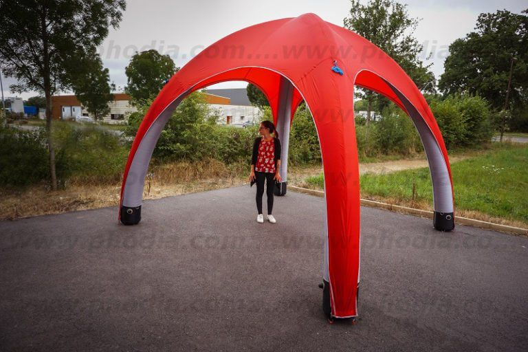 tente air captif 4m de couleur rouge sans les 4 portes