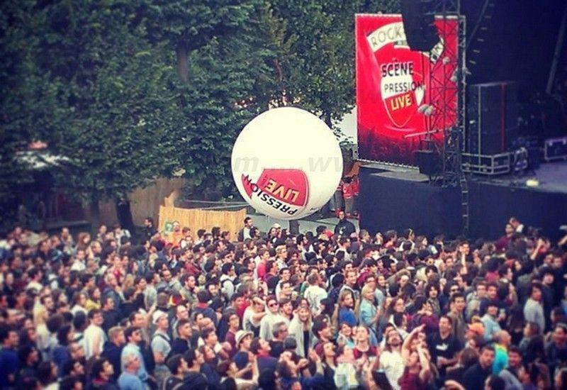 ballon a lancer dans la foule, pression live , concert solidays