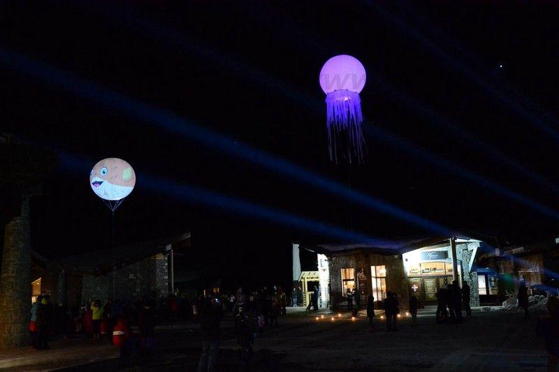 ballon spectacle lumineux en forme de pieuvre et de poisson