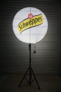 ballon sur pied lumineux schweppes de 1 m