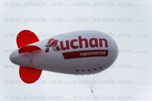 dirigeable 6 m hélium pour un supermarché Auchan