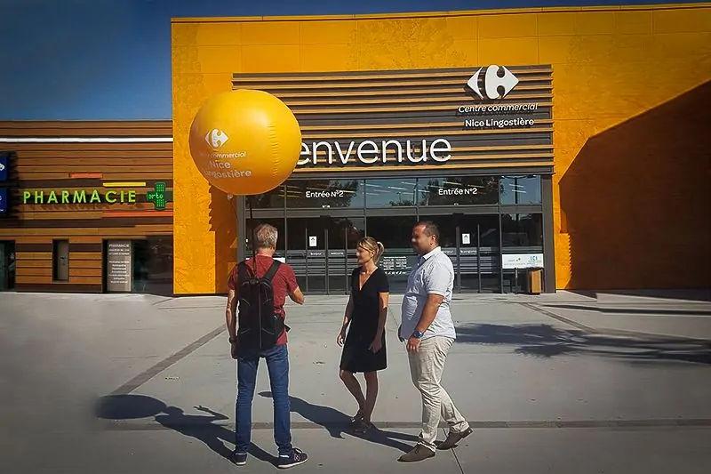ballon sac a dos publicitaire pour campagne de street marketing pendant les travaux d'un centre commercial