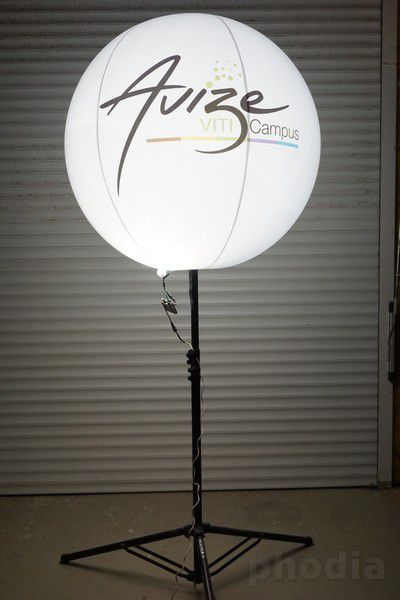 ballon sur pied avize viti campus lumineux