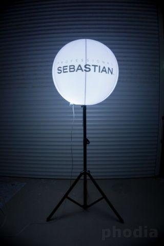 proffesional sebastian ballon sur pied lumineux