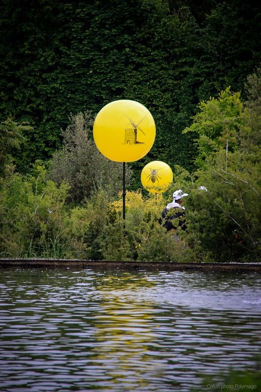 ballon mat jaune