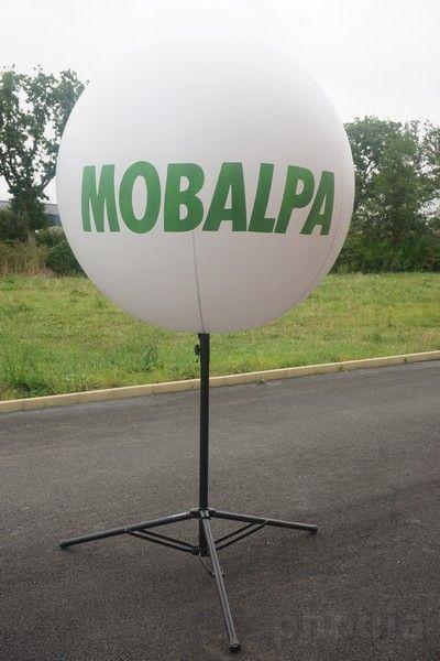 ballon mobalpa blanc de 1.3 m trépied noir de 4m