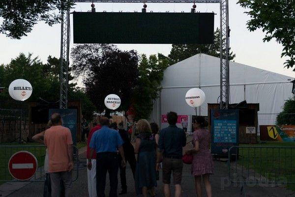 festival jazz ballon sur trépied télescopique billets restaurants