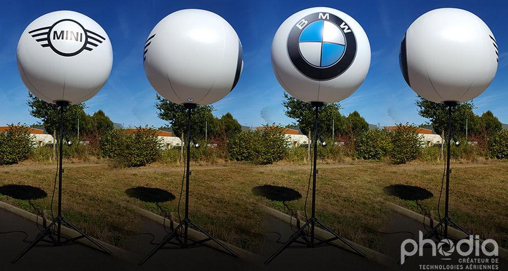 ballon sur trepied publicitaire BMW MIn qui tourne sur lui meme