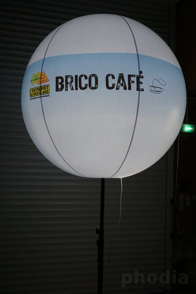 ballon bicolore sur trépied brico café