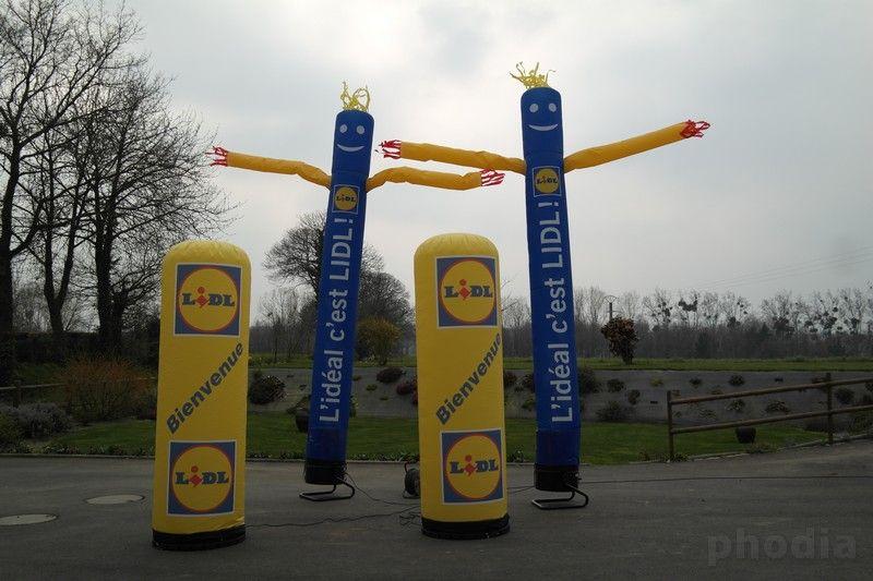 colonne et skydancer lidl bienvenue