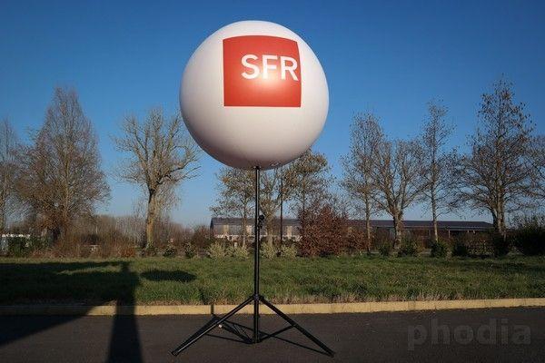 ballon de 1.30m sfr sur pied avec  hauteur réglable