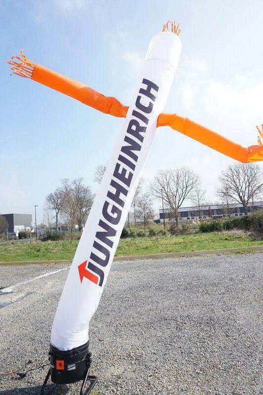 Skydancer de 950 watts, blanc avec des bras orange Junghinrichf sans tête et pas cher