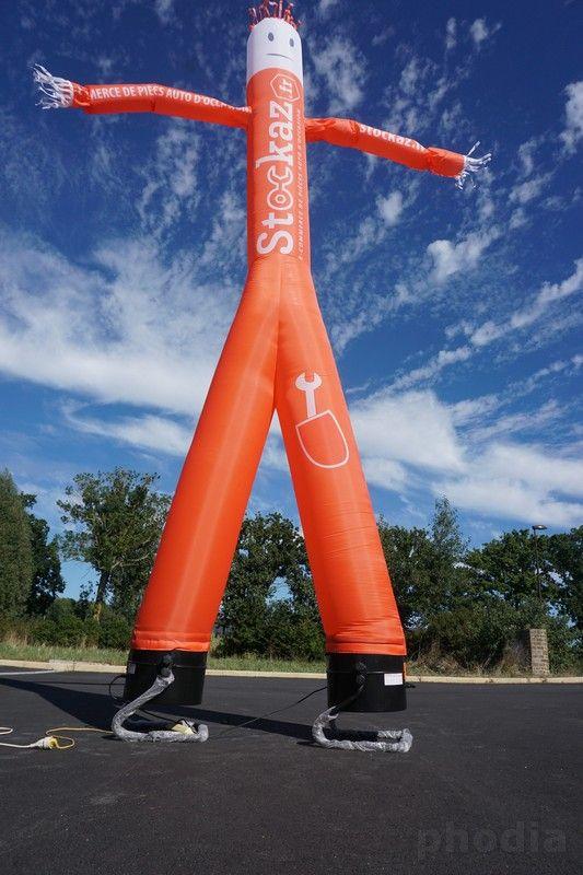 skydancer 2 jambes 2 bras stockaz ciel bleu