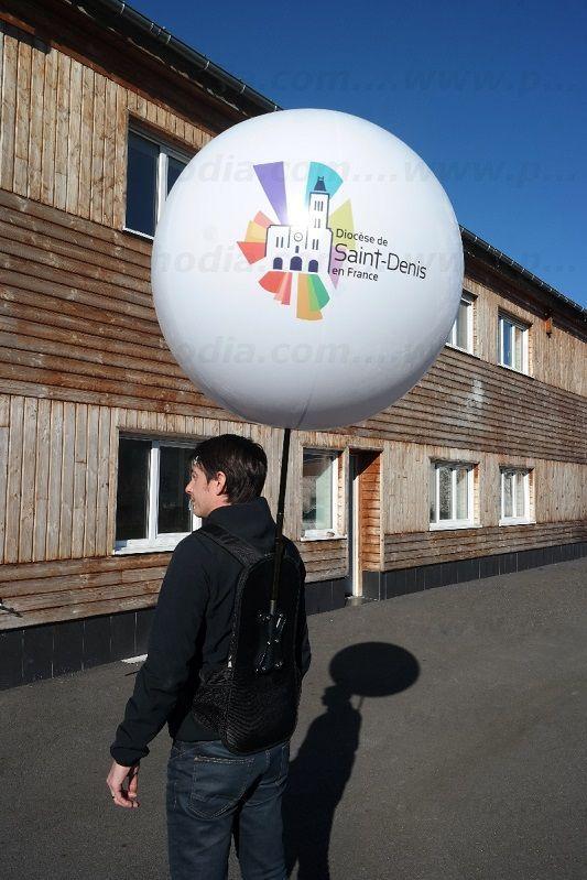 ballon sac a dos Diocèse Saint-Denis pour une campagne publicitaire de rue